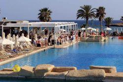 трехзведочная гостиница на Кипре, парк развлечений