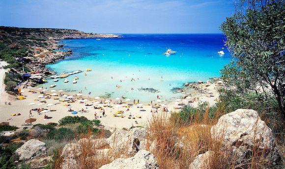 Пляжная погода на Кипре в июле, фото