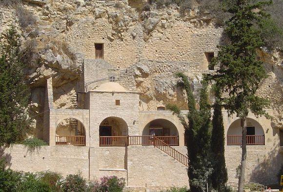 Монастырь преподобного Неофита Затворника в Пафосе