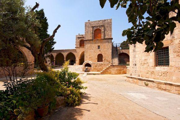Айяс Напас, храм на Кипре, фото