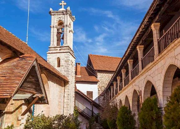 Монастырь Богородицы Хрисороятиссы на Кипре, фото