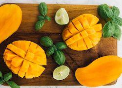 Манго, фрукты Кипра