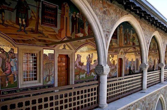 Монастырь Киккос, куда съездить на Кипре на машине