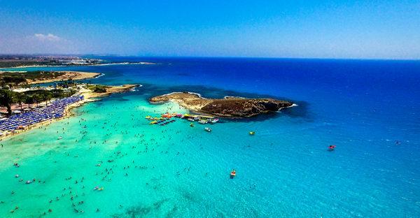 Нисси Бич, пляж в Айя Напе, Кипр, фото