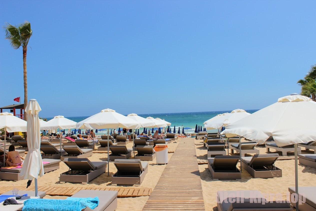 Pantachou Beach - один из лучших пляжей Айя-Напы и Кипра в целом